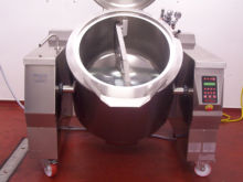 Indirect Electric Mobile Cooking Kettle with Mixer for Sauces.